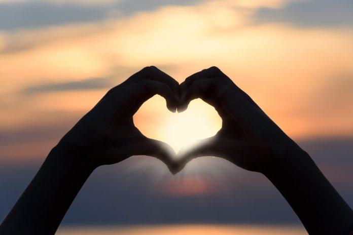 Valentinstag: Reisen und Beauty Verkaufsschlager bei Online-Shoppern